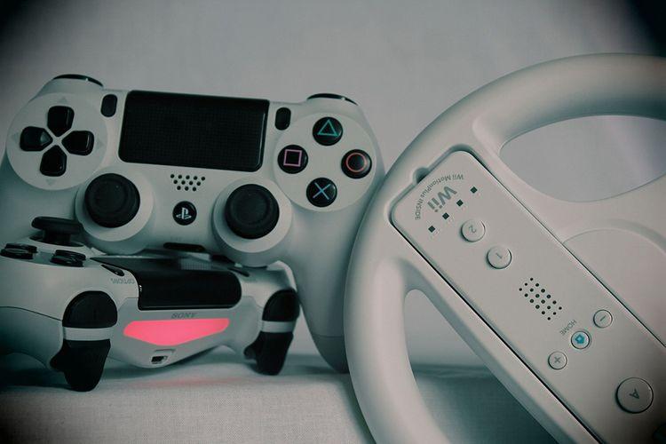 Différentes manettes de Wii, Playstation et XBox