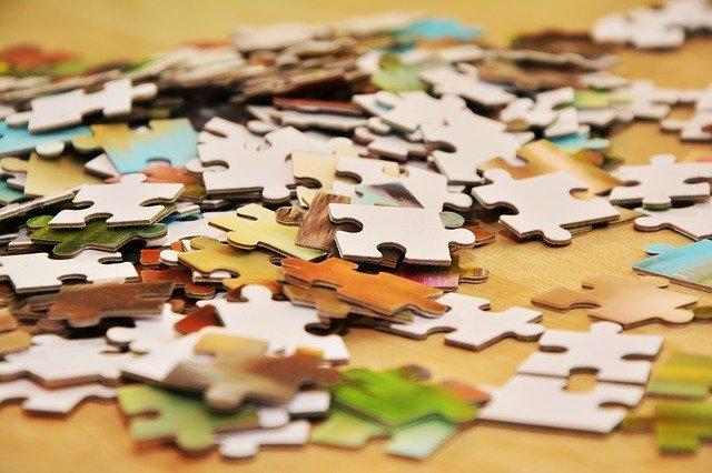 Pièces de puzzle en vrac
