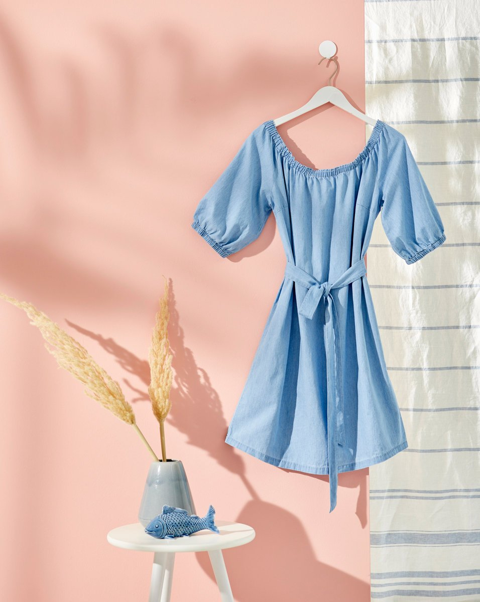 Robe bleue bonprix pendant les soldes