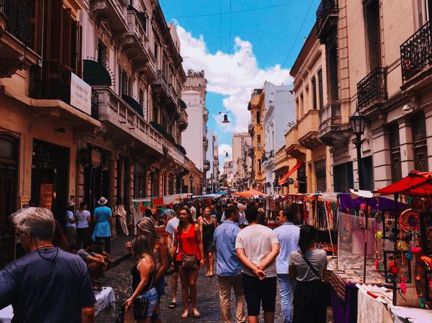 Buenos Aires Menschen shoppen auf dem Markt